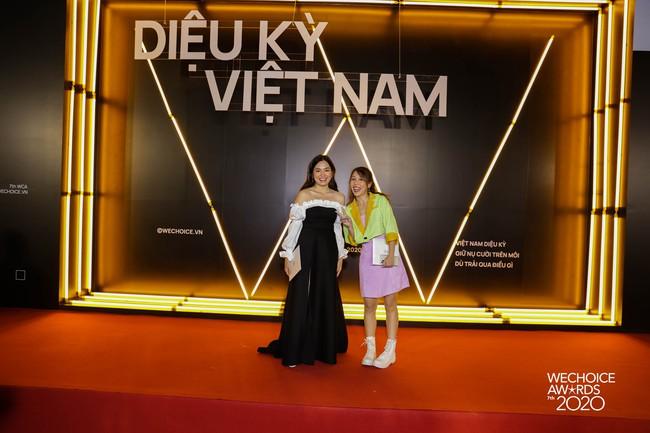 Sao nhập ngũ: Hậu Hoàng diện váy quá nữ tính đi dự WeChoice, Diệu Nhi liền réo tên Mũi trưởng Long khiến khán giả rần rần - Ảnh 3.