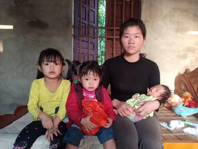 Ánh mắt cầu cứu của bé trai 1 tháng tuổi chào đời không có hậu môn - Ảnh 4.