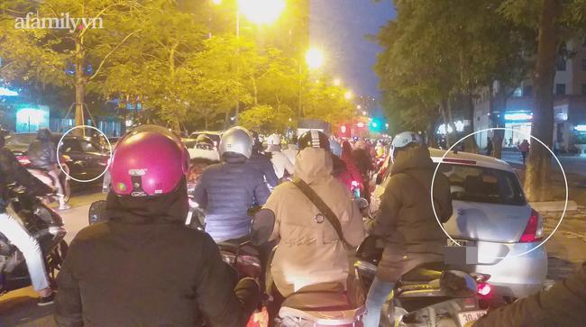 Đường Hoàng Minh Giám xe ô tô đỗ 2 bên