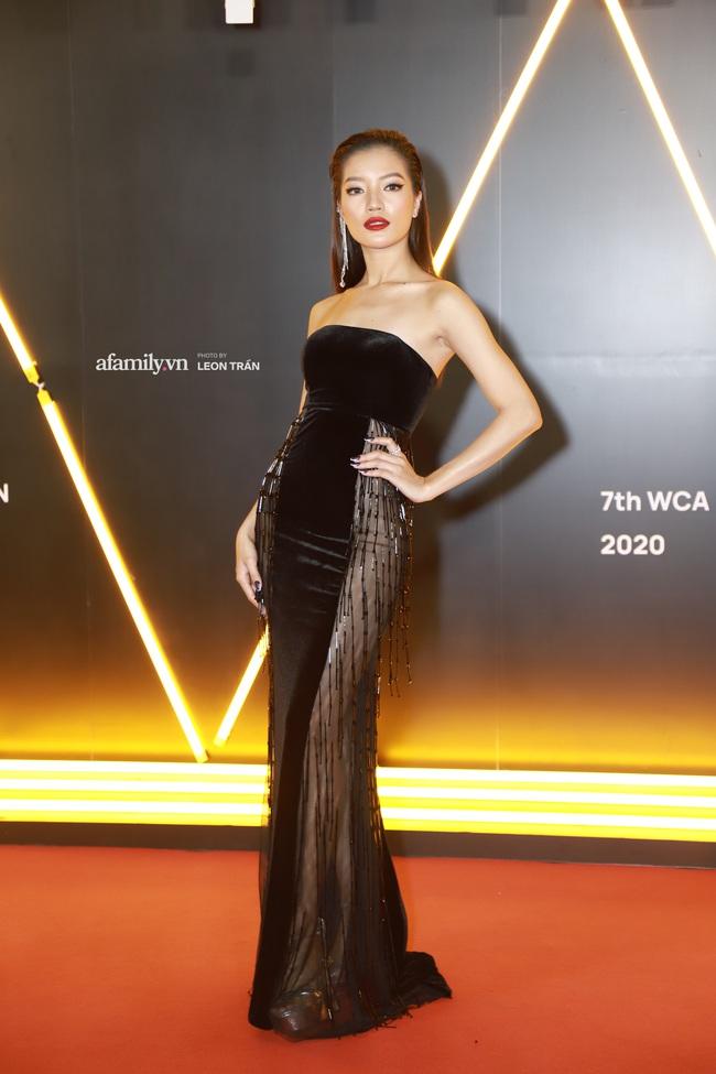 """Thảm đỏ WeChoice Awards 2020 khủng nhất đầu năm của Vbiz: """"Tình tin đồn"""" của chồng cũ Lệ Quyên tỏa sáng giữa dàn mỹ nhân Vbiz - Ảnh 2."""