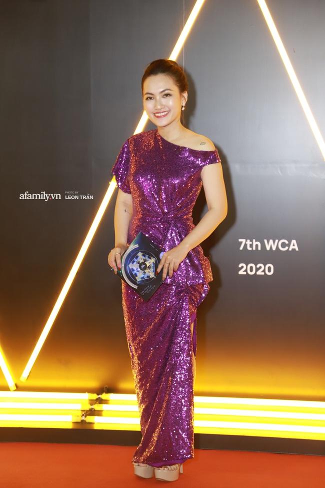 """Thảm đỏ WeChoice Awards 2020 khủng nhất đầu năm của Vbiz: """"Tình tin đồn"""" của chồng cũ Lệ Quyên tỏa sáng giữa dàn mỹ nhân Vbiz - Ảnh 5."""