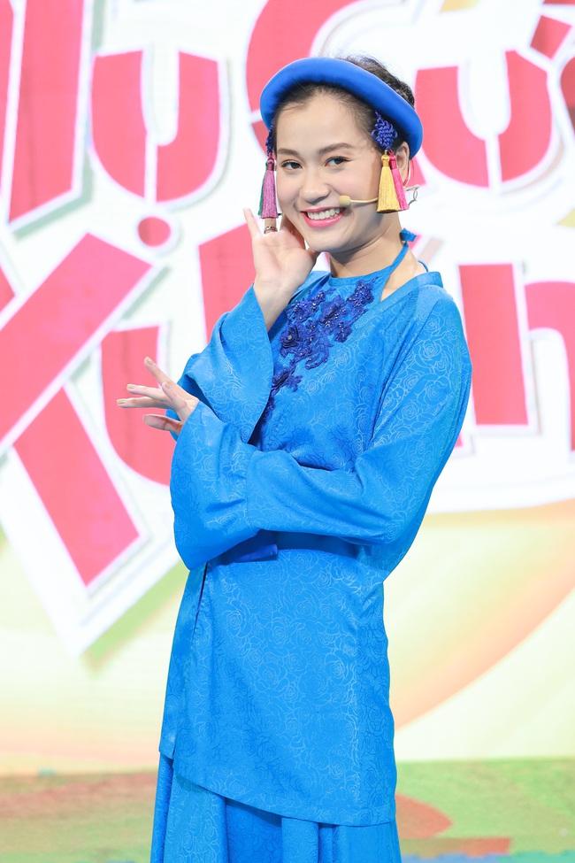 Ninh Dương Lan Ngọc - Lâm Vỹ Dạ lại hát trên truyền hình, vừa cất giọng đã gây cười vì điều này  - Ảnh 4.
