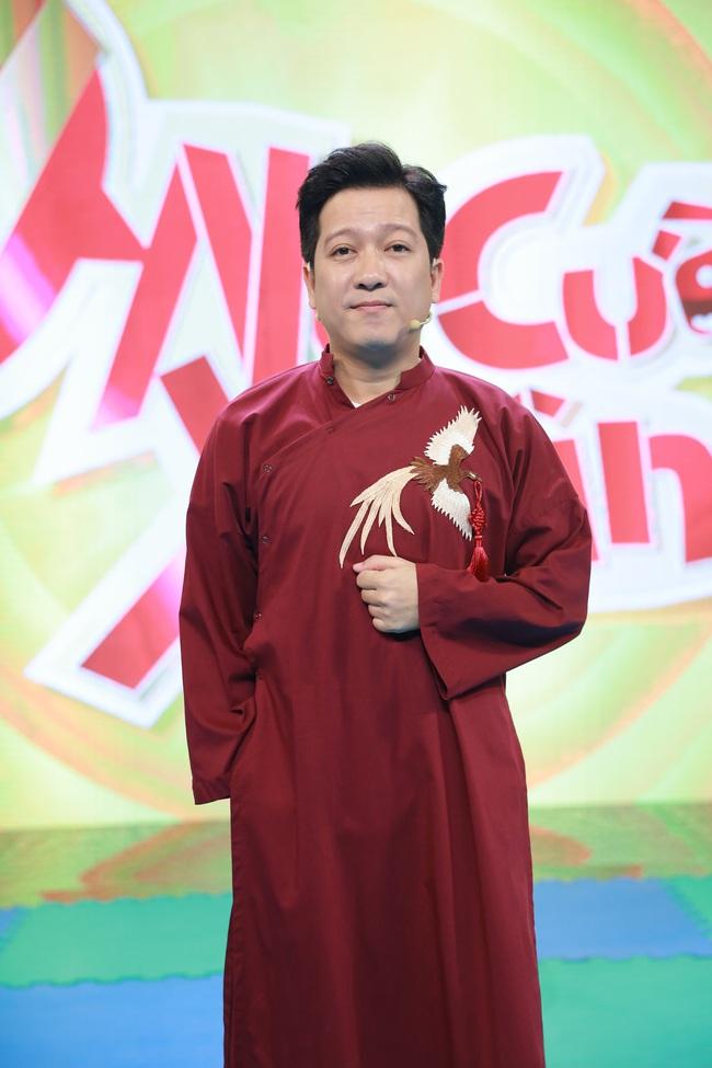 Ninh Dương Lan Ngọc - Lâm Vỹ Dạ lại hát trên truyền hình, vừa cất giọng đã gây cười vì điều này  - Ảnh 2.