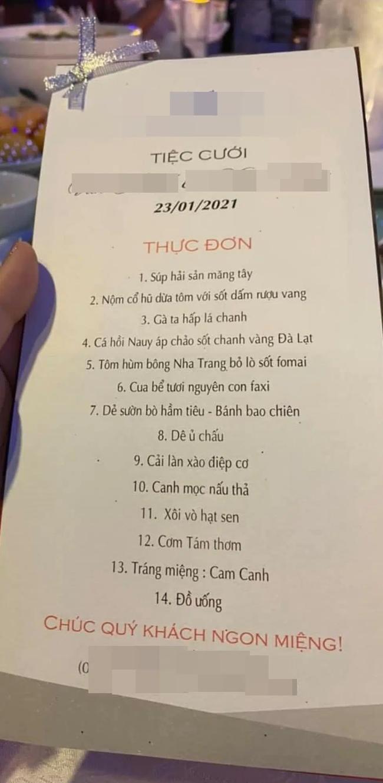 """Đám cưới """"khủng"""" trong lâu đài dát vàng ở Ninh Bình khiến MXH """"mắt tròn mắt dẹt"""" từ không gian tiệc cưới xa hoa đến thực đơn đãi khách toàn những món """"nhà giàu"""" - Ảnh 8."""