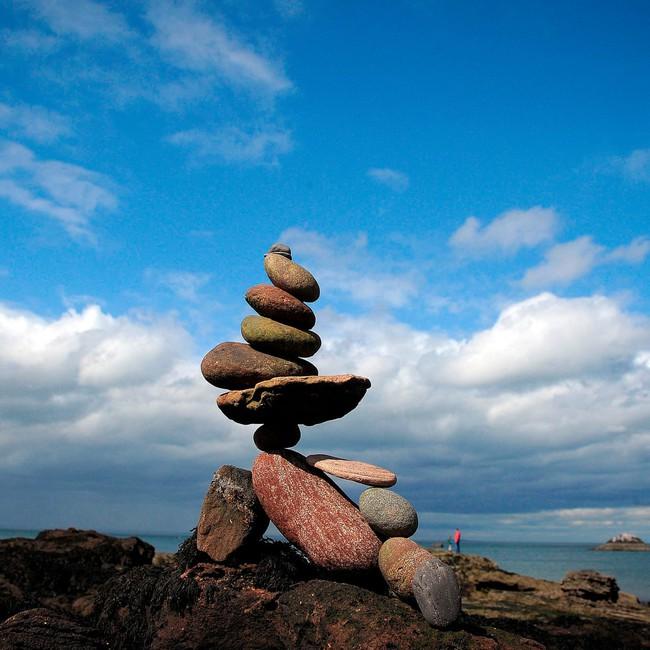 Nghệ thuật xếp đá thăng bằng: Phía sau một trào lưu nghệ thuật cực tinh tế là một hiểm họa to lớn không ai ngờ tới, càng không dễ dàng nhìn thấy ngay - Ảnh 3.
