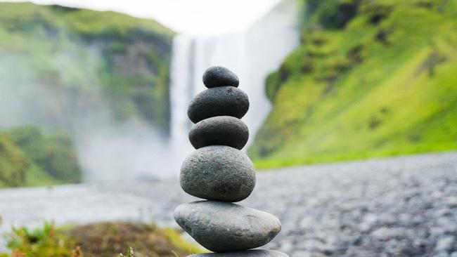Nghệ thuật xếp đá thăng bằng: Phía sau một trào lưu nghệ thuật cực tinh tế là một hiểm họa to lớn không ai ngờ tới, càng không dễ dàng nhìn thấy ngay - Ảnh 4.
