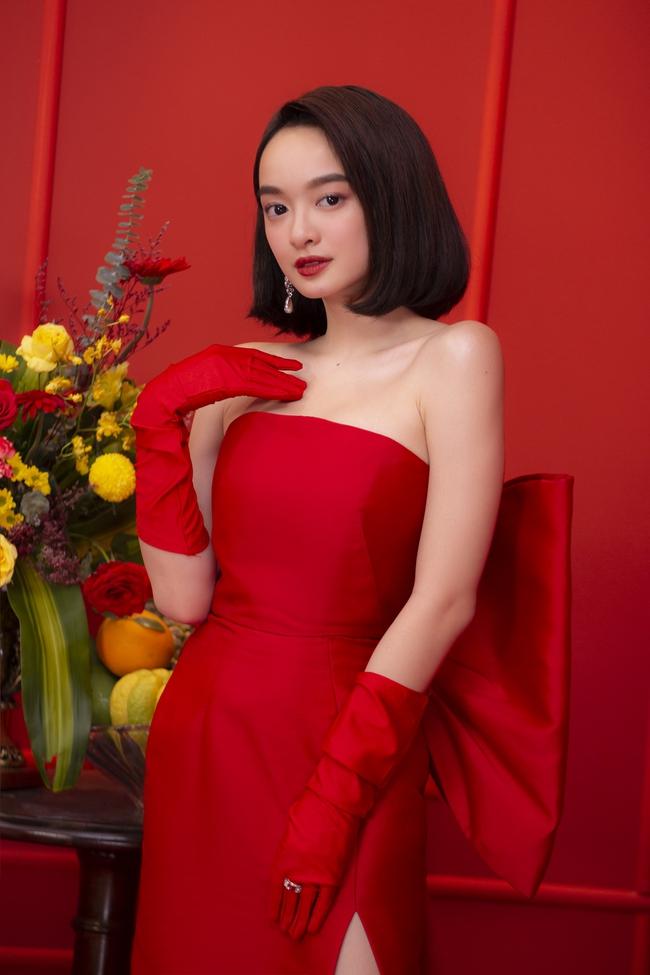 """""""Gái già lắm chiêu V"""": Kaity Nguyễn sang chảnh, đẹp kiêu kỳ trong màn chúc Tết giàu sang - Ảnh 2."""
