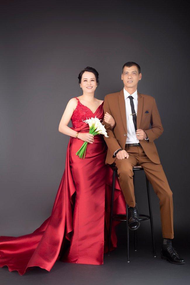 Cặp đôi U50 cưới nhau sau 2 tháng hẹn hò, nhìn ảnh cưới ai cũng hạnh phúc thay  - Ảnh 5.