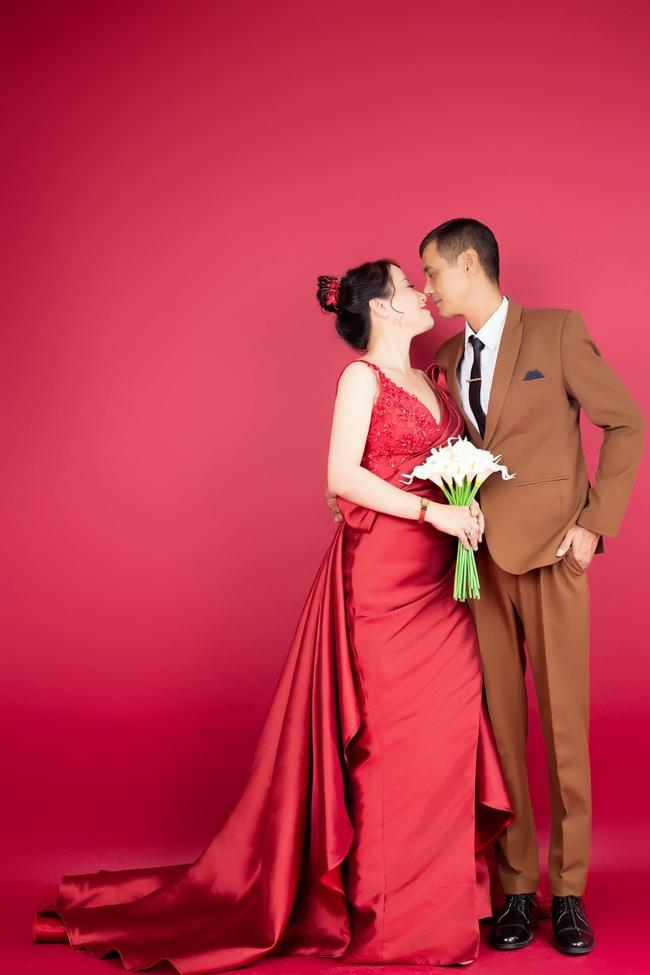 Cặp đôi U50 cưới nhau sau 2 tháng hẹn hò, nhìn ảnh cưới ai cũng hạnh phúc thay  - Ảnh 4.
