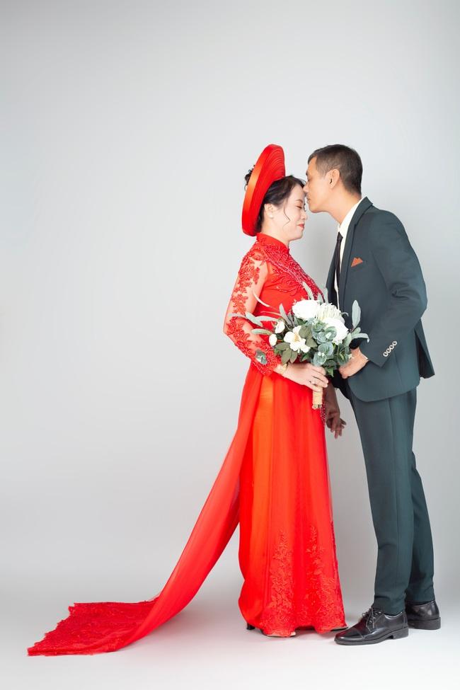Cặp đôi U50 cưới nhau sau 2 tháng hẹn hò, nhìn ảnh cưới ai cũng hạnh phúc thay  - Ảnh 9.