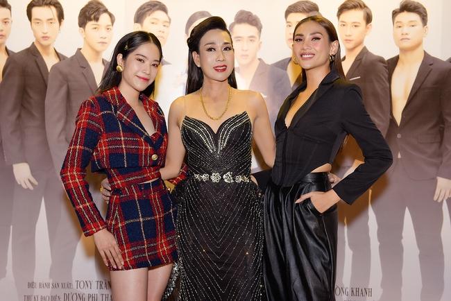 Nam Em xuất hiện sau nghi vấn chia tay Lãnh Thanh, vui vẻ chúc mừng Hà Kiều Anh ra mắt film  - Ảnh 7.