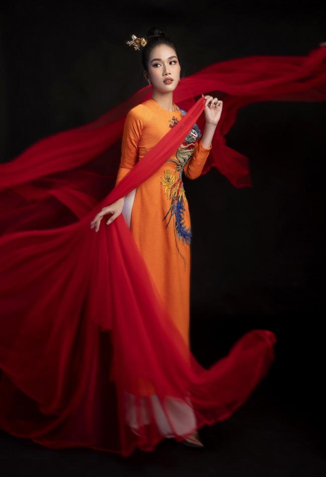 Hoa hậu Đỗ Thị Hà khoe thần thái sắc lạnh đầy khác lạ trong bộ ảnh áo dài cùng 2 Á hậu - Ảnh 11.
