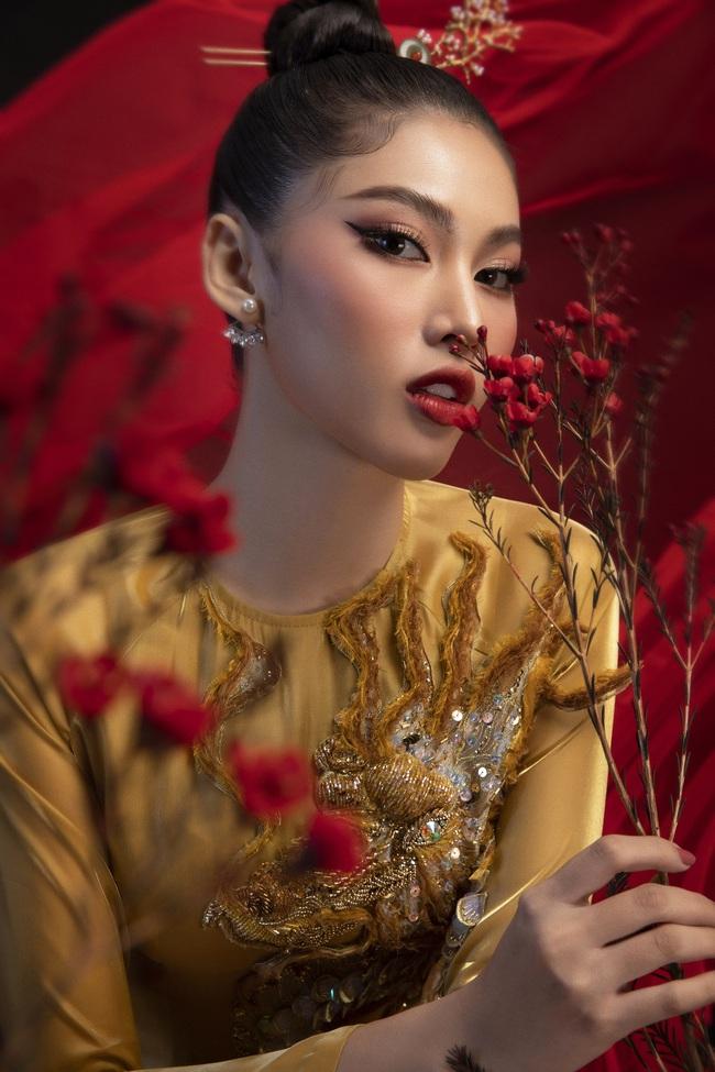 Hoa hậu Đỗ Thị Hà khoe thần thái sắc lạnh đầy khác lạ trong bộ ảnh áo dài cùng 2 Á hậu - Ảnh 12.