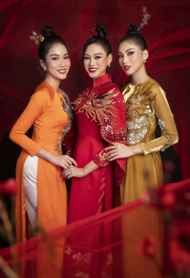 Hoa hậu Đỗ Thị Hà khoe thần thái sắc lạnh đầy khác lạ trong bộ ảnh áo dài cùng 2 Á hậu - Ảnh 2.