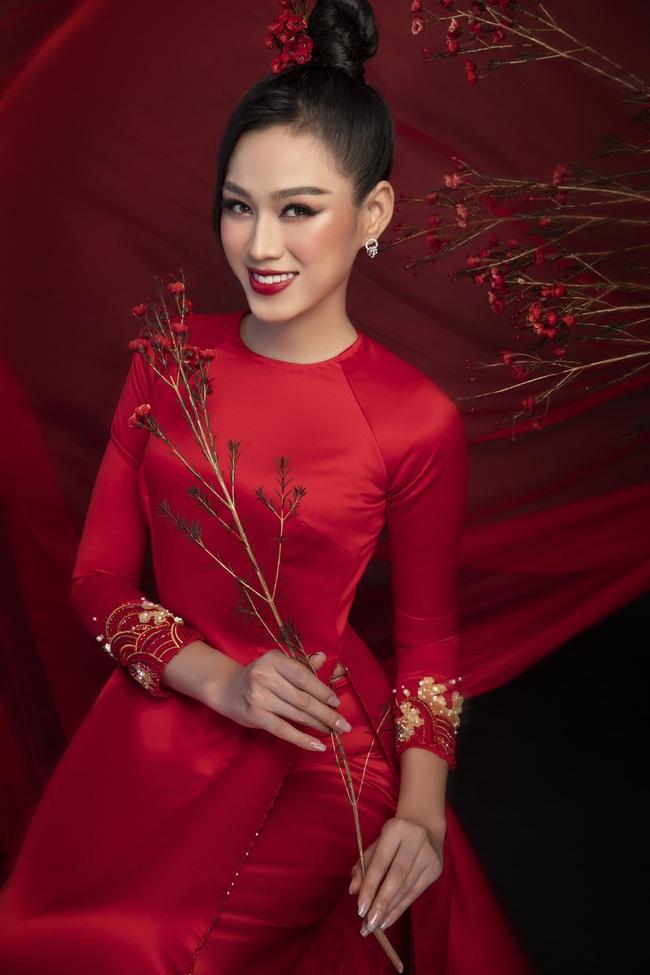 Hoa hậu Đỗ Thị Hà khoe thần thái sắc lạnh đầy khác lạ trong bộ ảnh áo dài cùng 2 Á hậu - Ảnh 10.