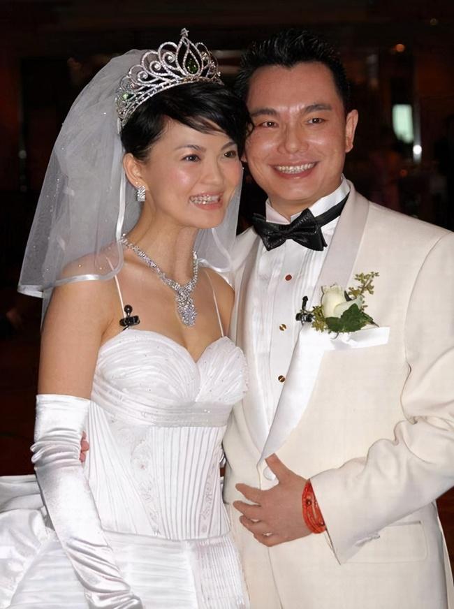 Mỹ nhân Hoa ngữ gây chú ý bởi những cuộc hôn nhân chớp nhoáng - Ảnh 4.