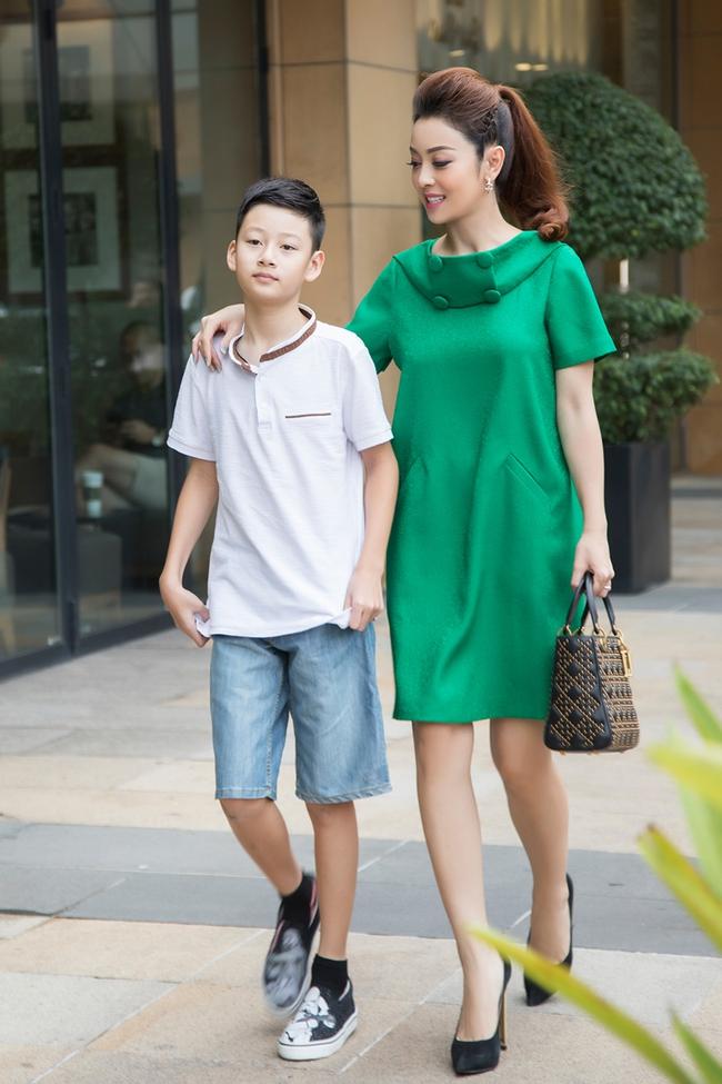 """Con trai Quang Dũng và Jennifer Phạm """"trổ mã"""" ấn tượng ở tuổi 13, nhìn cách nuôi con của cặp nghệ sĩ ai cũng ngưỡng mộ - Ảnh 5."""
