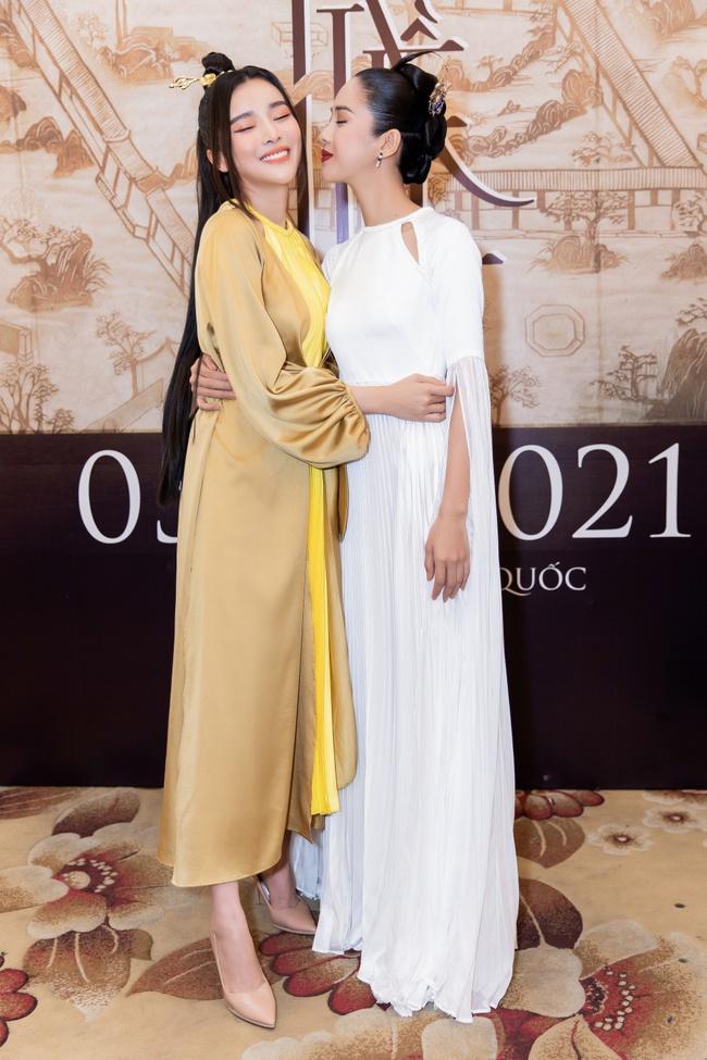 """""""Nàng Kiều"""" lần đầu xuất hiện công khai, nhan sắc yêu kiều nhưng chiếm spotlight lại là """"Hoạn Thư"""" - Cao Thái Hà - Ảnh 1."""