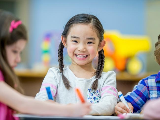 Nghiên cứu Mỹ cho thấy sự phát triển trí não của trẻ em chỉ đạt đỉnh 3 lần trong đời, cha mẹ bỏ qua sẽ hối hận - Ảnh 4.