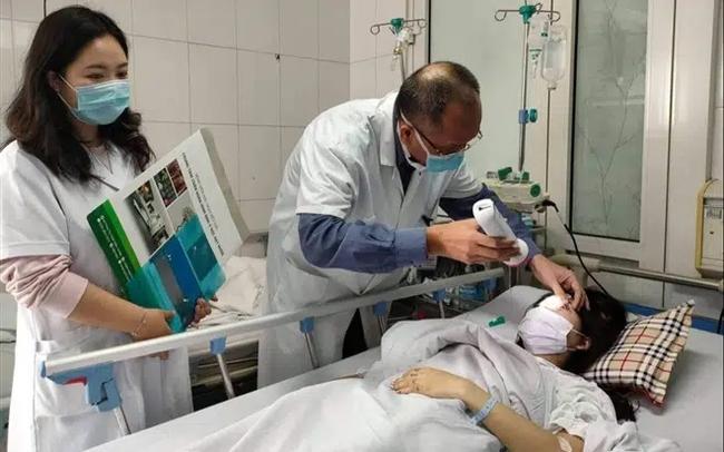 Mê tiêm filler tại spa rẻ tiền, chị em gặp biến chứng kinh hoàng và lời cảnh báo gan ruột từ chuyên gia - Ảnh 5.
