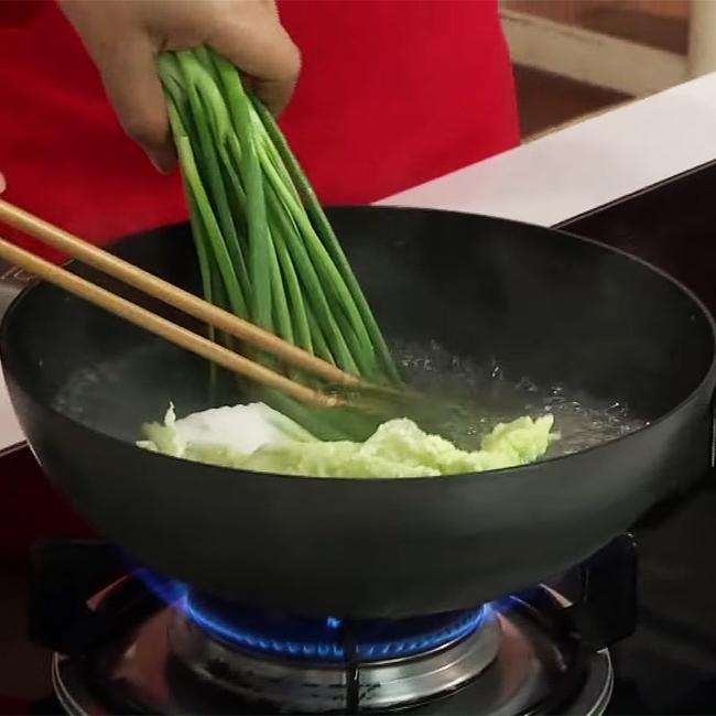 Cách nấu canh bắp cải cuộn thịt