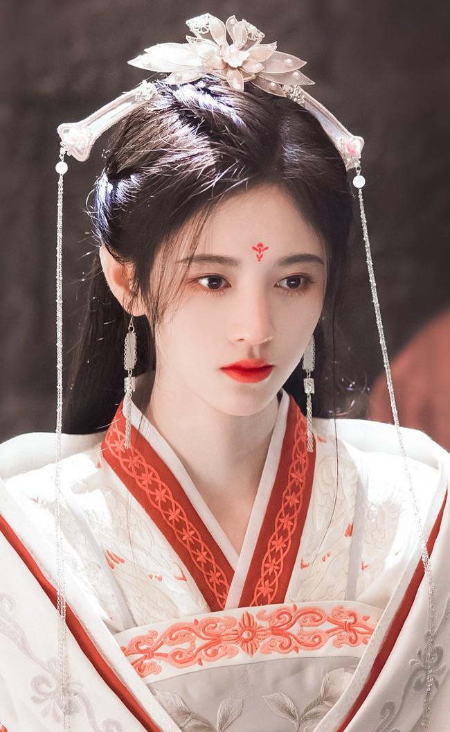 """""""Mỹ nữ 4.000"""" Cúc Tịnh Y tái hợp Trương Thiết Hạn, mặt thì quá đẹp nhưng diễn xuất khiến ai cũng chê - Ảnh 7."""