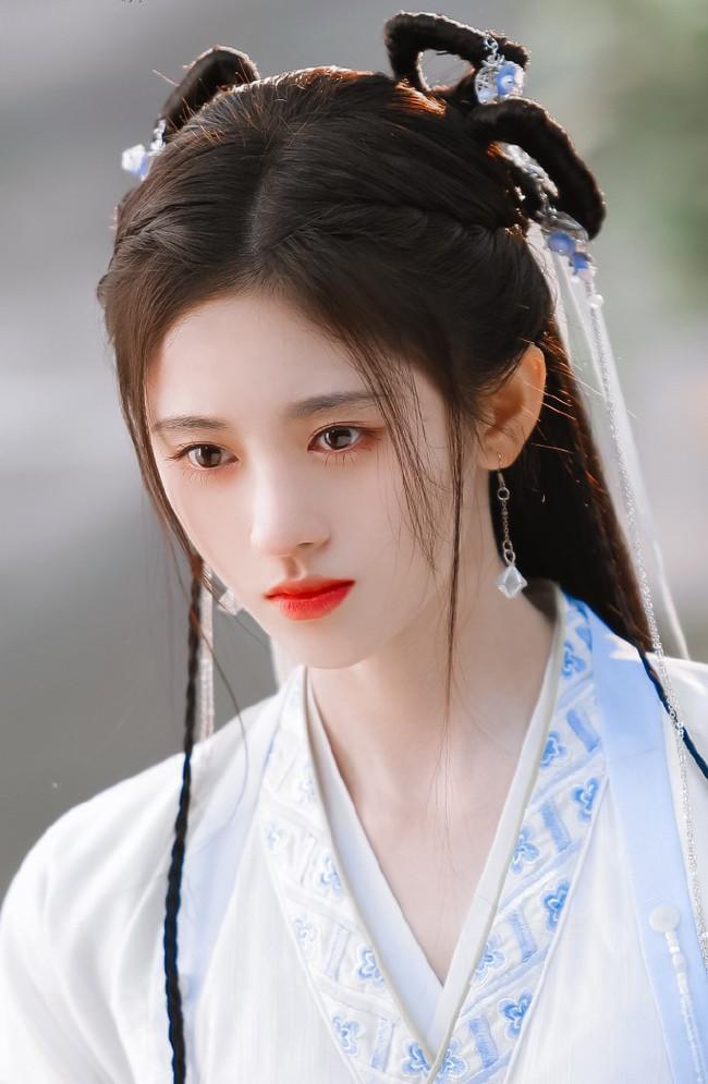 """""""Mỹ nữ 4.000"""" Cúc Tịnh Y tái hợp Trương Thiết Hạn, mặt thì quá đẹp nhưng diễn xuất khiến ai cũng chê - Ảnh 3."""