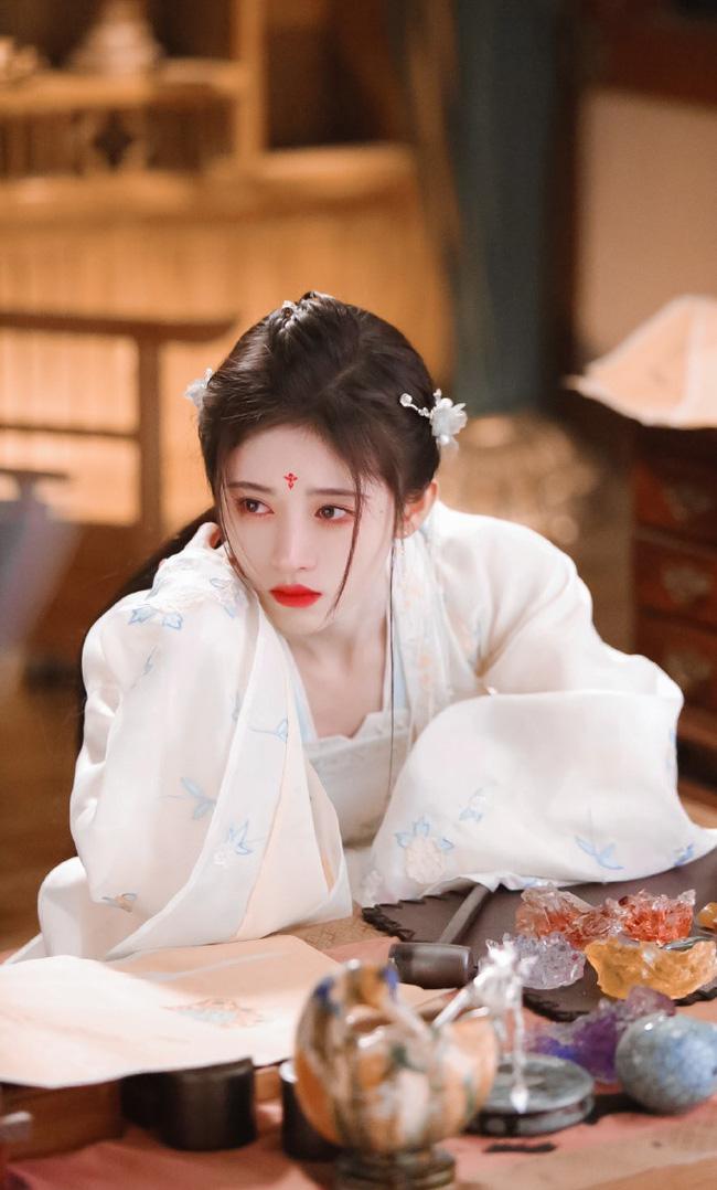 """""""Mỹ nữ 4.000"""" Cúc Tịnh Y tái hợp Trương Thiết Hạn, mặt thì quá đẹp nhưng diễn xuất khiến ai cũng chê - Ảnh 8."""