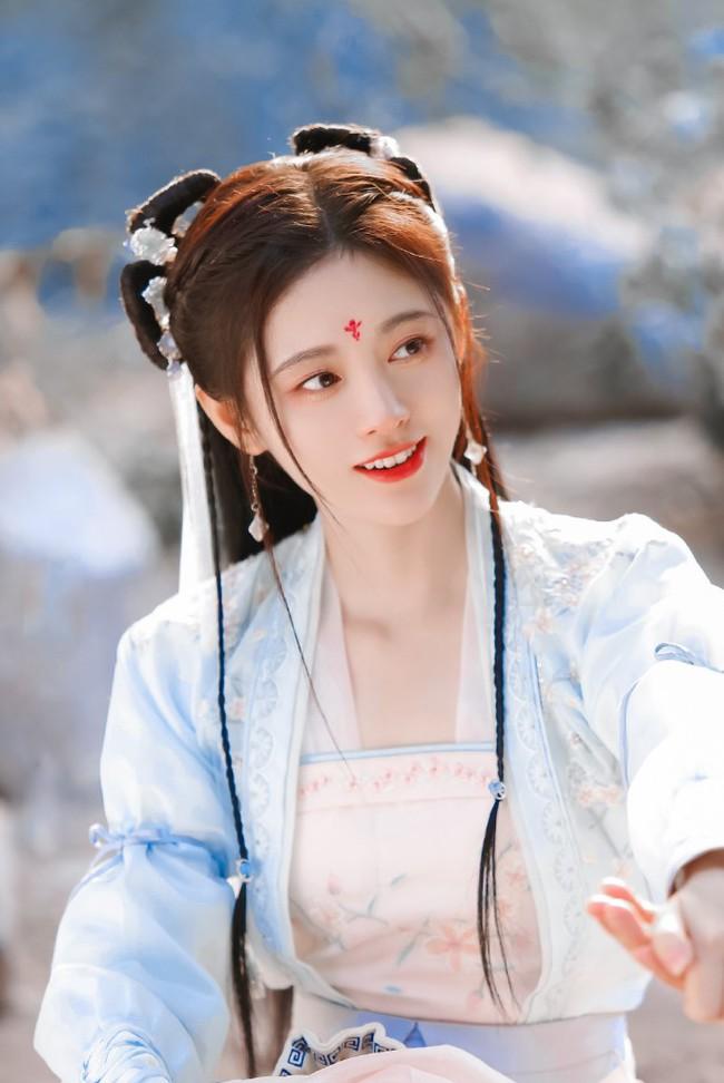 """""""Mỹ nữ 4.000"""" Cúc Tịnh Y tái hợp Trương Thiết Hạn, mặt thì quá đẹp nhưng diễn xuất khiến ai cũng chê - Ảnh 9."""