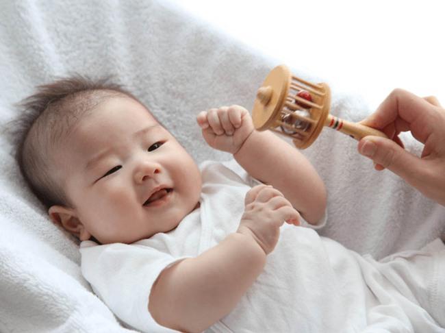 Muốn biết em bé có thông minh hay không, bạn hãy quan sát 4 dấu hiệu này trên bàn tay - Ảnh 2.