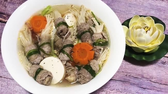 Bữa tối đủ rau, đủ thịt cho hội chị em ăn kiêng: 20 phút vào bếp là no căng!  - Ảnh 1.