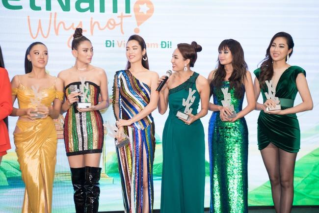 Hoa hậu Khánh Vân ngày càng đẹp, xuất hiện bên Nam Em thân thiết như chị em  - Ảnh 1.