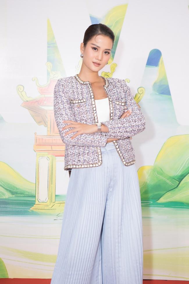 Hoa hậu Khánh Vân ngày càng đẹp, xuất hiện bên Nam Em thân thiết như chị em  - Ảnh 9.
