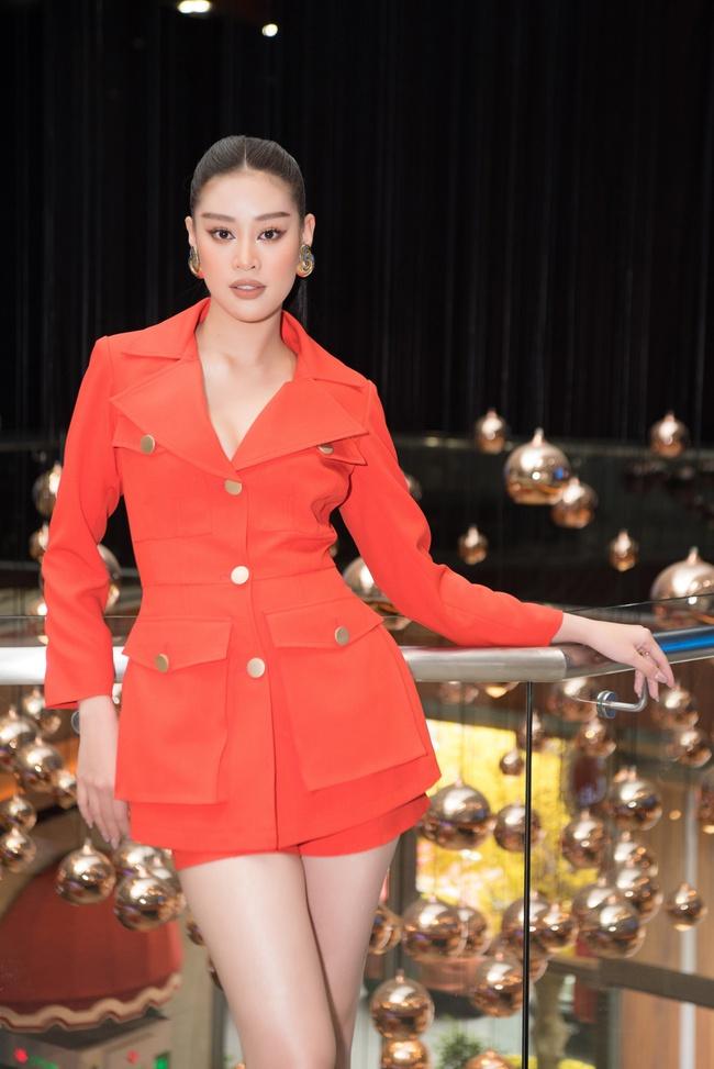 Hoa hậu Khánh Vân ngày càng đẹp, xuất hiện bên Nam Em thân thiết như chị em  - Ảnh 3.