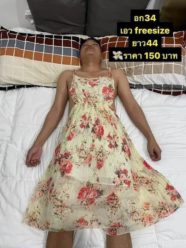 """Vợ lợi dụng chồng ngủ để bắt làm người mẫu, mặc từ váy đầm đến croptop để đăng bán online rồi viral khắp """"cõi mạng"""" - Ảnh 4."""