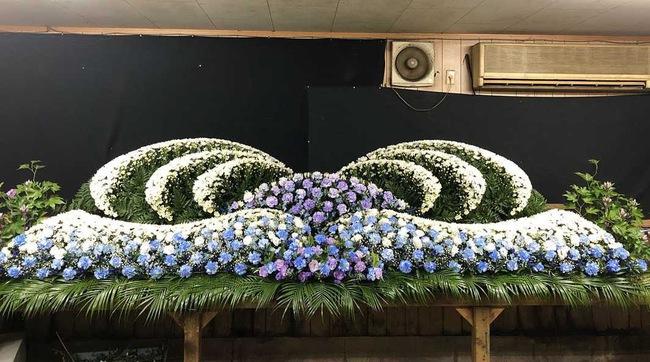Người Nhật tiễn người đã khuất bằng hoa tươi theo cách cực kỳ lộng lẫy, công ty hoa tang lễ thu hơn nghìn tỷ mỗi năm - Ảnh 7.