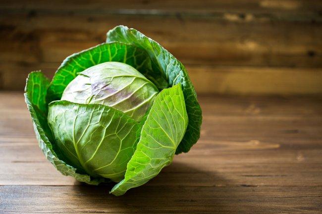 Loại rau được Đông y vô cùng trọng dụng, ăn hay đắp cũng phát huy chữa đau nhức xương khớp cực đỉnh, vào mùa đông càng không thể bỏ qua - Ảnh 1.