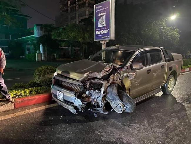 Xe bán tải gây tai nạn kinh hoàng khiến cô gái trẻ nguy kịch, hiện trường vụ tai nạn khiến nhiều người ám ảnh - Ảnh 2.