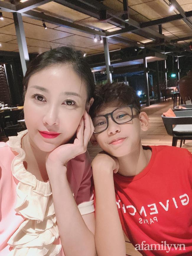 Hoa hậu Hà Kiều Anh tiết lộ chiều cao của con trai, 13 tuổi đã vượt chuẩn nhờ chơi môn thể thao này 6 buổi/tuần - Ảnh 11.