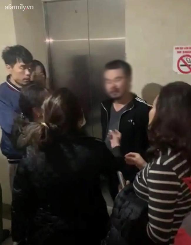 Hà Nội: Nửa đêm xuất hiện nhóm người lạ mặt làm loạn chung cư - Ảnh 1.