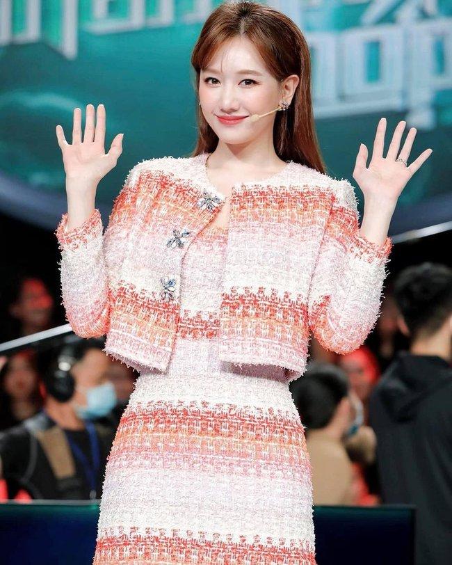 Hari Won bớt diện đồ nhí nhảnh, năng mặc những items đứng dáng là style lập tức thăng cấp ngoạn mục - Ảnh 5.