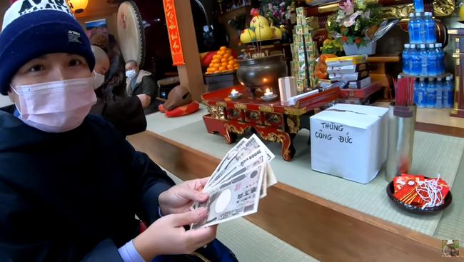 Quỳnh Trần JP vừa mua nhà mới đã may mắn trúng số, dù không tin nổi nhưng bà mẹ người Việt vẫn quyết định dùng số tiền theo cách này - Ảnh 4.