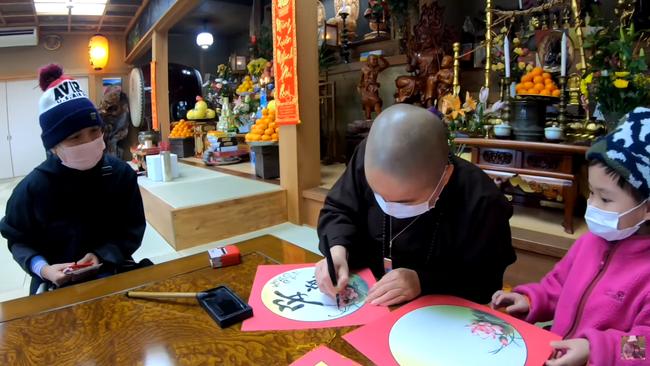 Quỳnh Trần JP vừa mua nhà mới đã may mắn trúng số, dù không tin nổi nhưng bà mẹ người Việt vẫn quyết định dùng số tiền theo cách này - Ảnh 5.