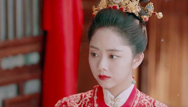 Đàm Tùng Vận mặc áo cưới đỏ rực, làm vợ Chung Hán Lương trong Cẩm tâm tựa ngọc chưa xinh đẹp bằng lúc này  - Ảnh 3.