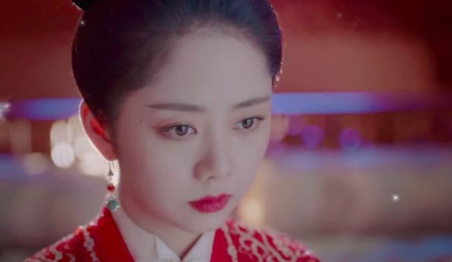 Đàm Tùng Vận mặc áo cưới đỏ rực, làm vợ Chung Hán Lương trong Cẩm tâm tựa ngọc chưa xinh đẹp bằng lúc này  - Ảnh 2.