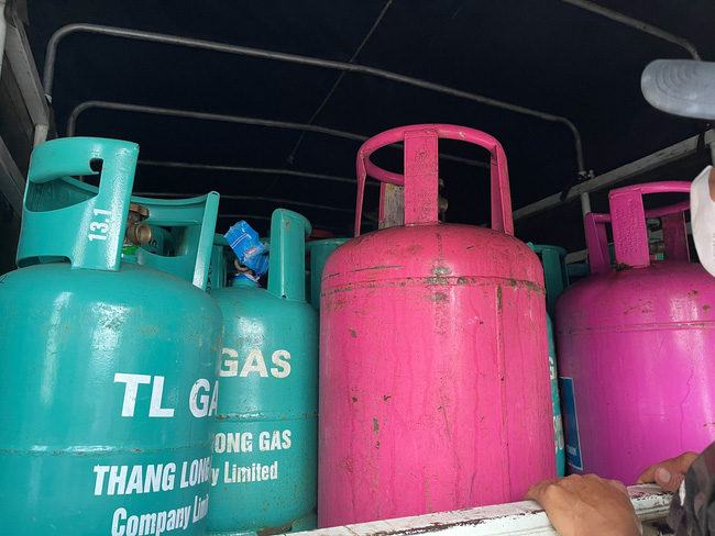 Hải Dương: Triệt phá cơ sở sang chiết gas trái phép cực lớn - Ảnh 2.