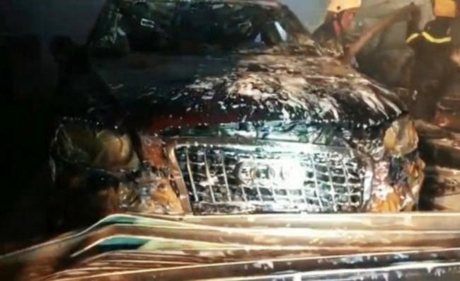 """Cháy garage ô tô, 3 xế hộp hạng sang Range Rover và Audi bị """"nướng chín""""  - Ảnh 3."""