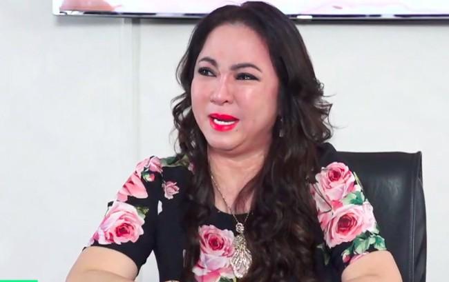 NÓNG: Bà Phương Hằng bức xúc khi bị 5 người hành hung trong phòng kín