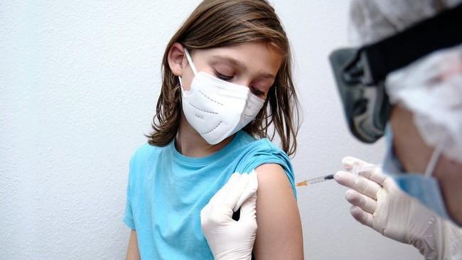 Tiêm phòng vắc-xin Covid-19 cho trẻ em: Tất cả những điều cha mẹ cần biết - Ảnh 1.
