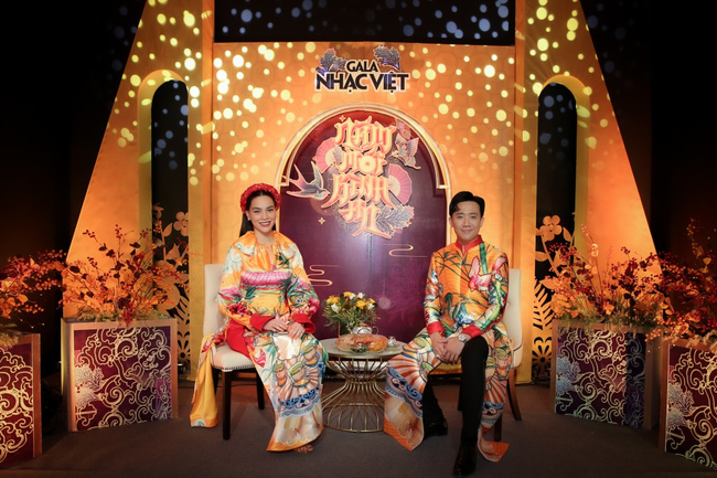 Hồ Ngọc Hà hát nhạc xuân mới, tiếp tục sánh đôi bên Trấn Thành trở thành cặp  MC duyên dáng - Ảnh 4.
